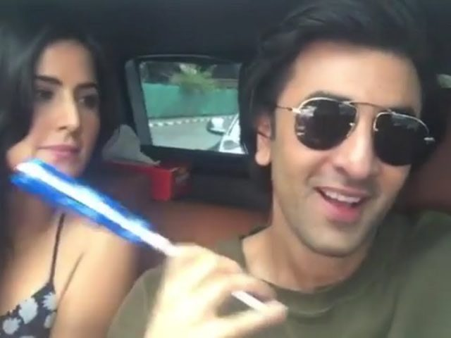 Funny Bollywood – Bollywood Celebrity Funny Moments | Videos |