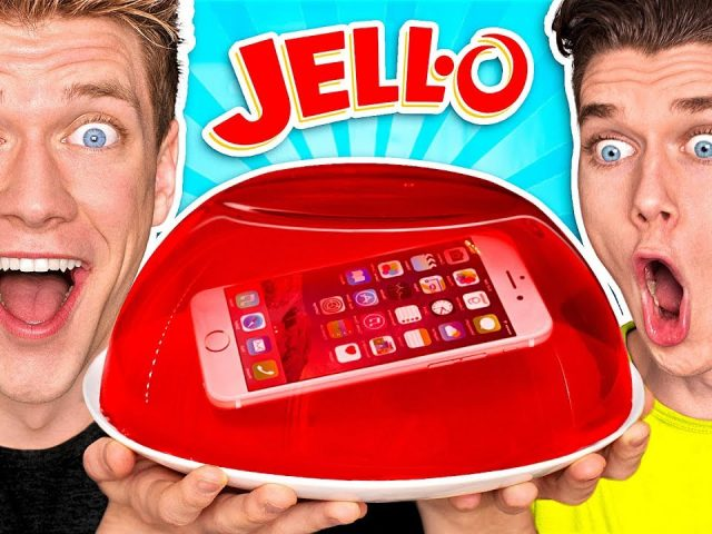 10 FUNNY PRANKS + PRANK WARS!!! **PHONE IN JELLO** Learn How To Make Funny Easy DIY Food & Candy