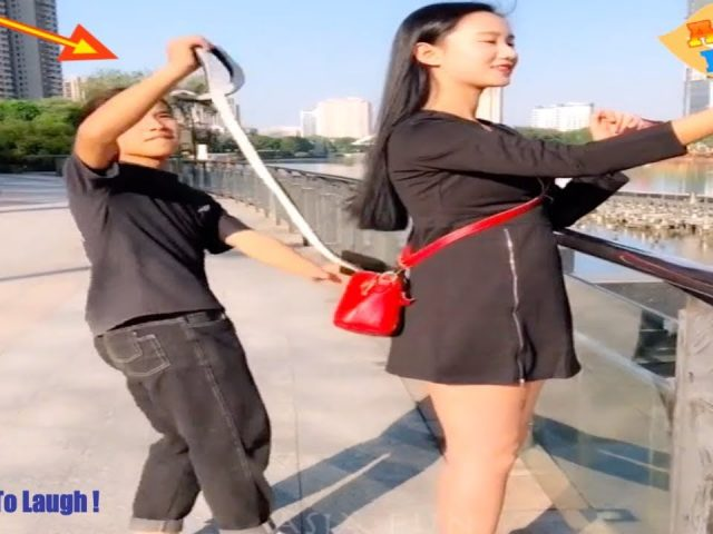 Chinese Comedy Videos – New Funny Pranks Compilation Try Not To Laugh P10