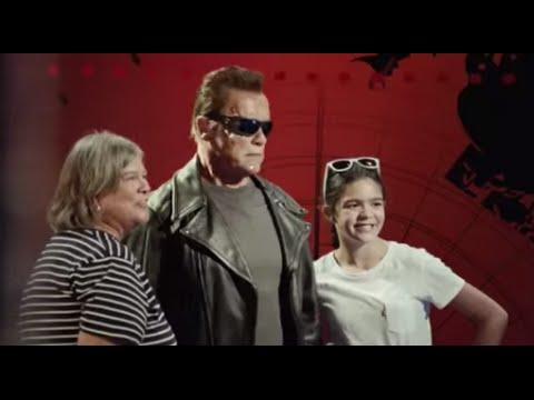 Arnold Schwarzenegger poses as wax statue to prank Madame Tussauds tourists